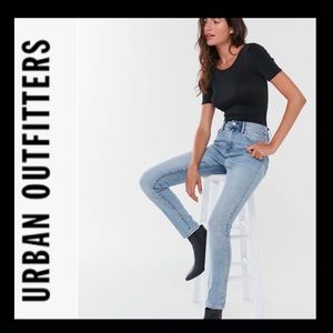 UO BDG Twig High-Waisted Skinny Jeans